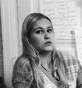 Marja-Liisa Niemi-Mattila pitämässä astrokurssia ennen TASin perustamista 1980.